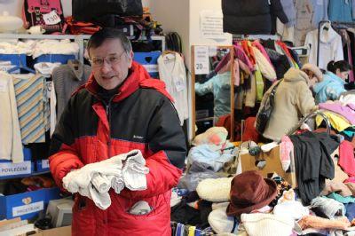 NADACE AGEL shromáždila díky Vánoční sbírce přes dvě tuny oděvů