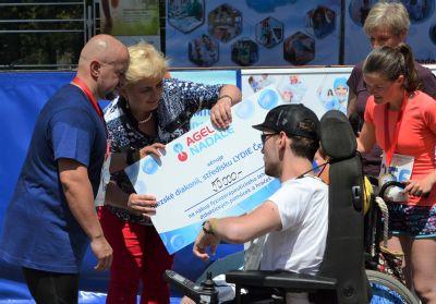 Běžci Těšínské osmičky NADACE AGEL pomohli Lydii Slezské Diakonie