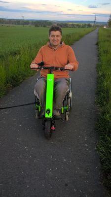 NADACE AGEL přispěla zlatému mistru Evropy na elektrický pohon invalidního vozíku